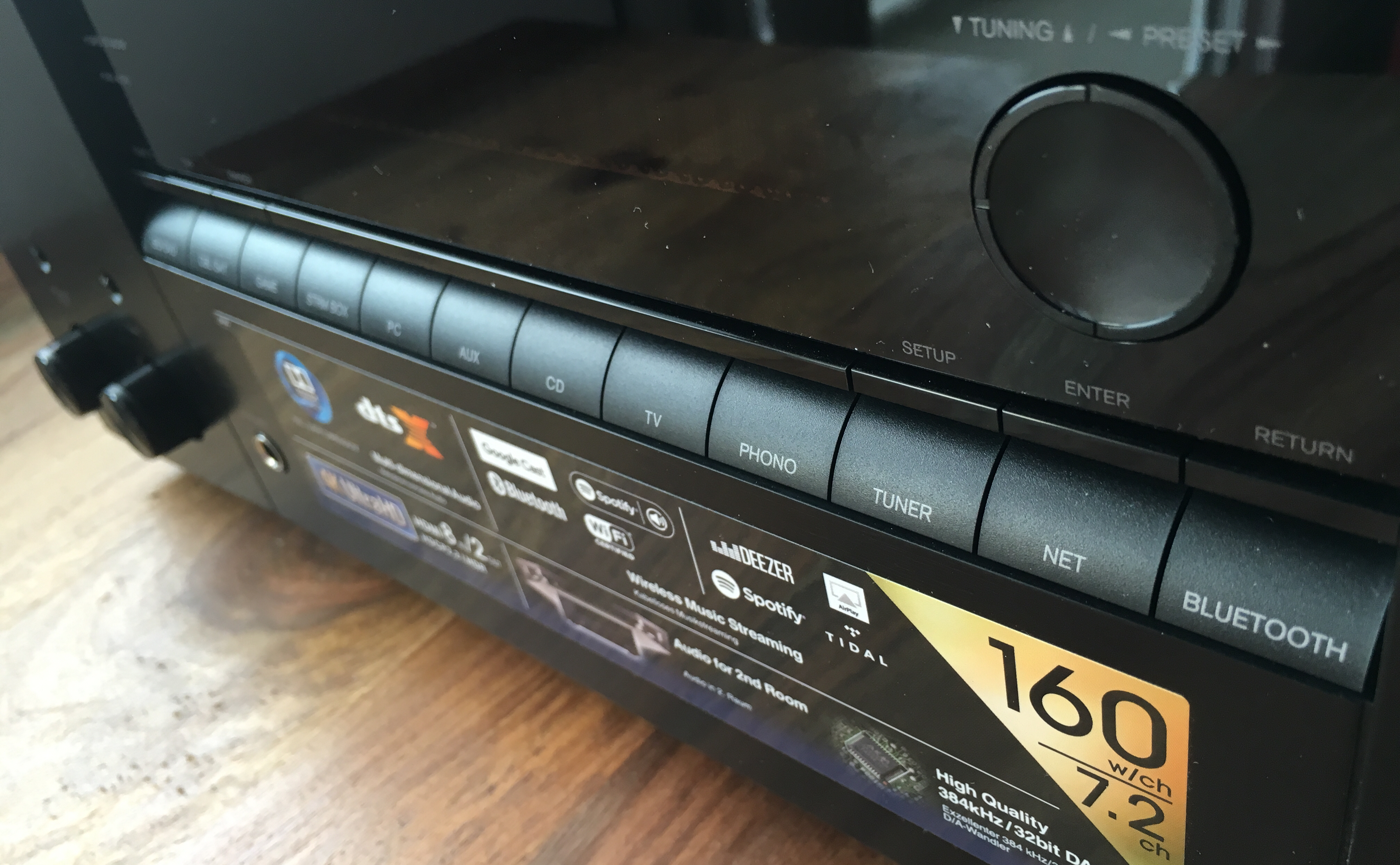 Onkyo TX-NR656 Front