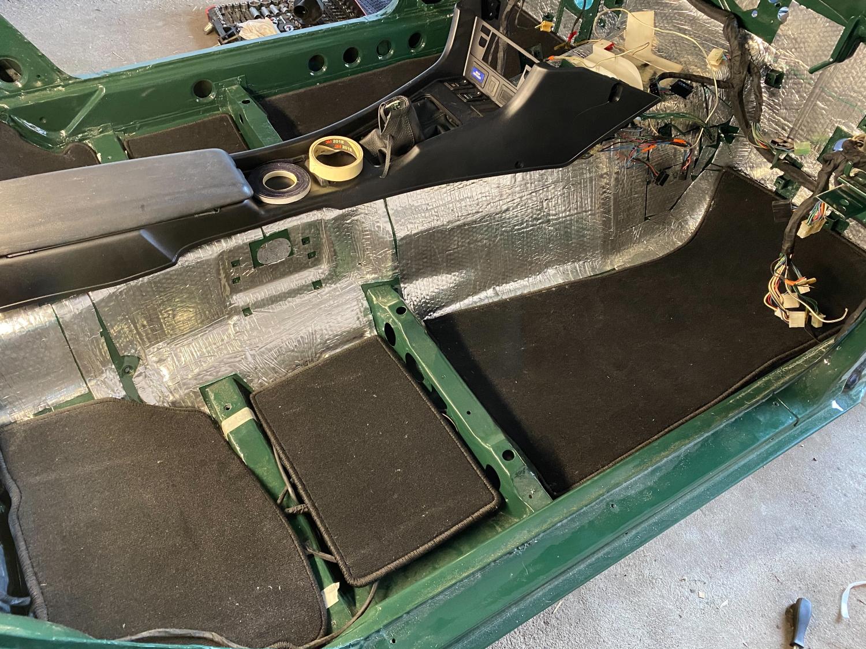 Datsun Innenraum teppich (2)