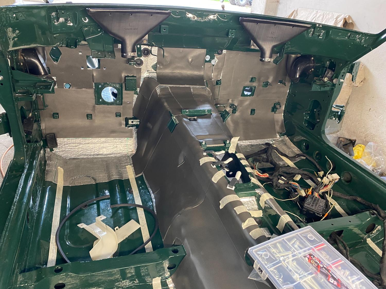 Datsun Innenraum teppich (7)