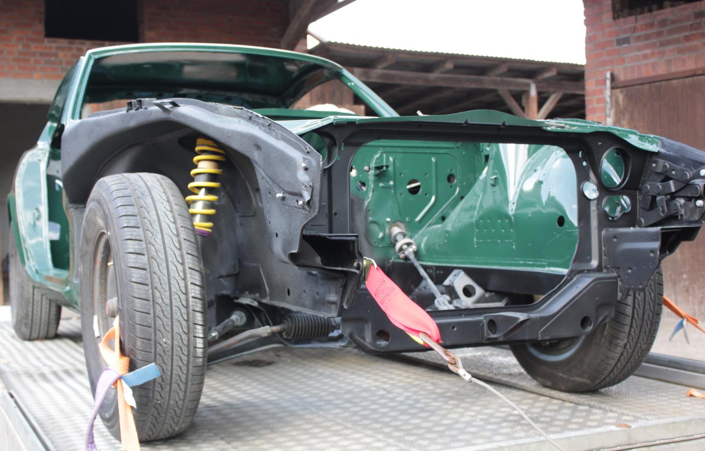 Fertige Lackierung Datsun 280z (1)